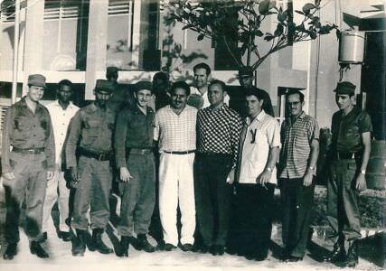 040. 1963. Рауль Кастро и советские военачальники, фото 1