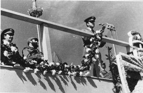 Фидель и Рауль Кастро на торжественной церемонии