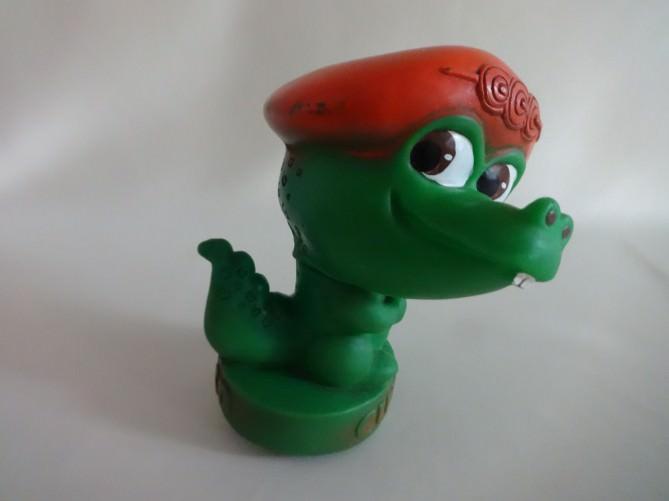 1982. Зеленый крокодильчик - символ Панамериканских игр 1982 года в Гаване. Ракурс 3.