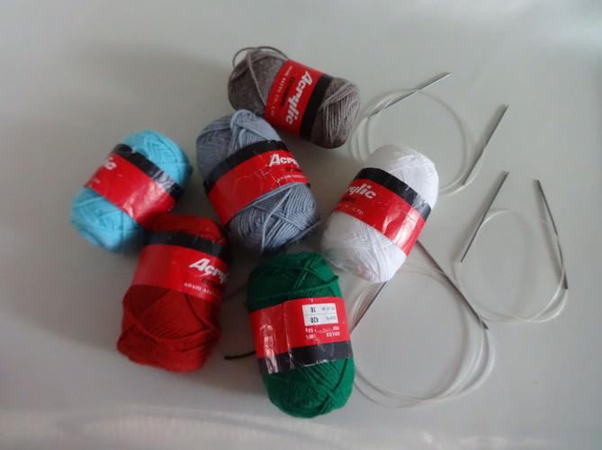 121. Разноцветные нитки и спицы. Фото 1.