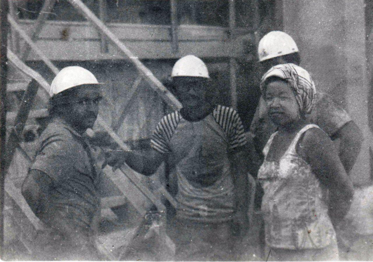 1985-1986. В сушильном отделении цеха подготовки руды.