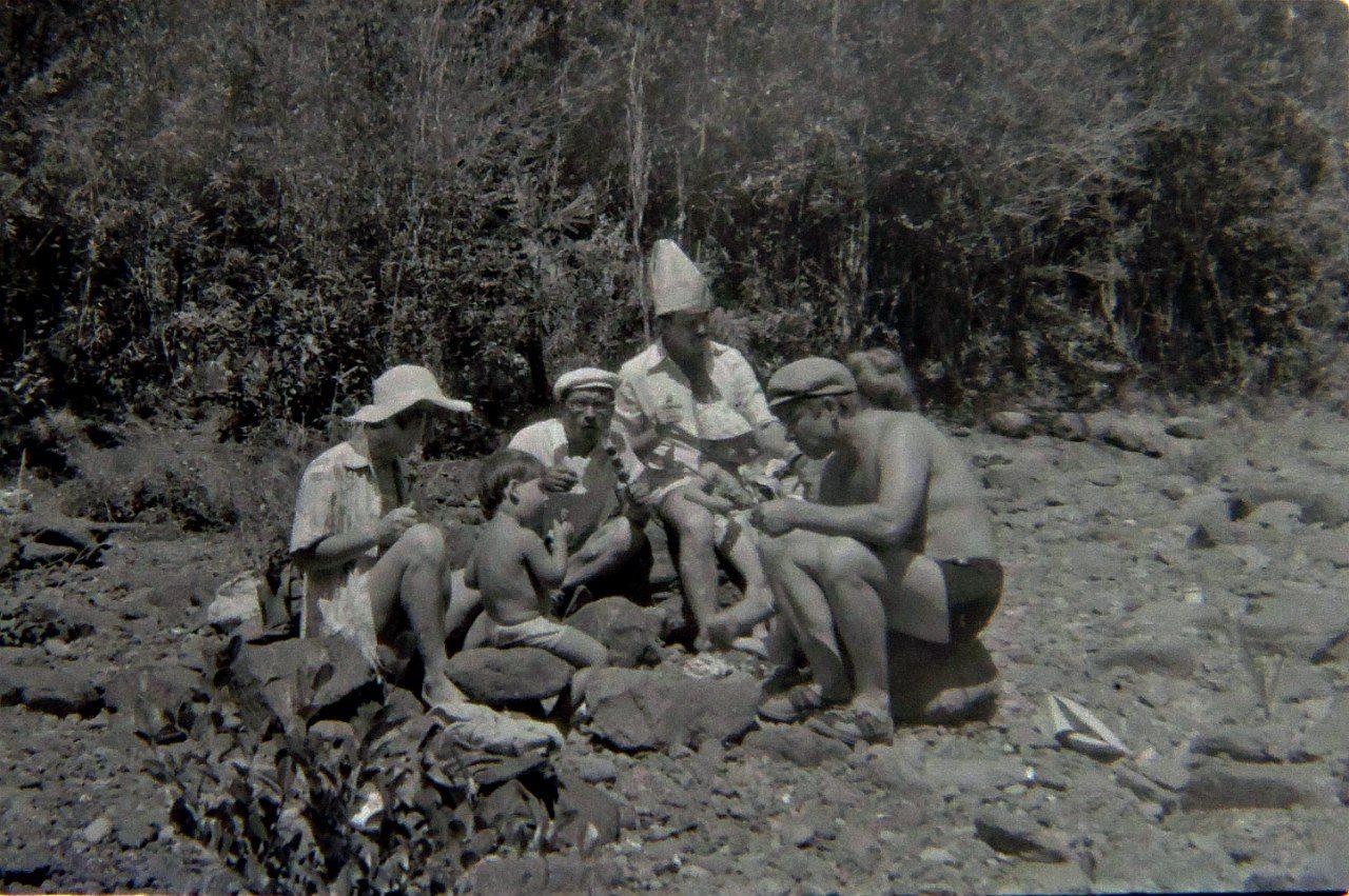 1985-1986. На реке Кайо Гуан. Исламовы, Фещенко и Хусаиновы.
