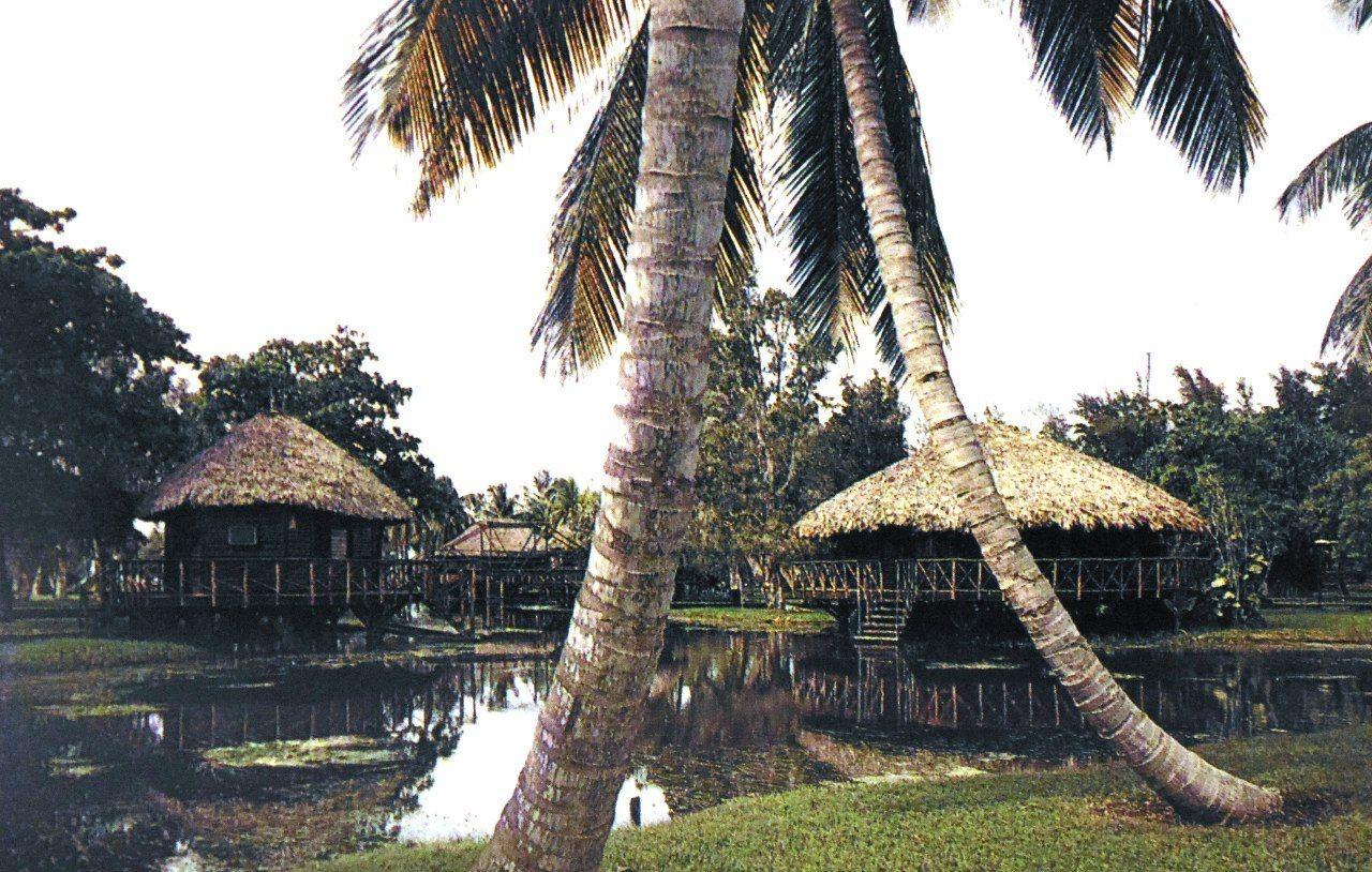 Туристический центр Гуама. Laguna del Tesoro.