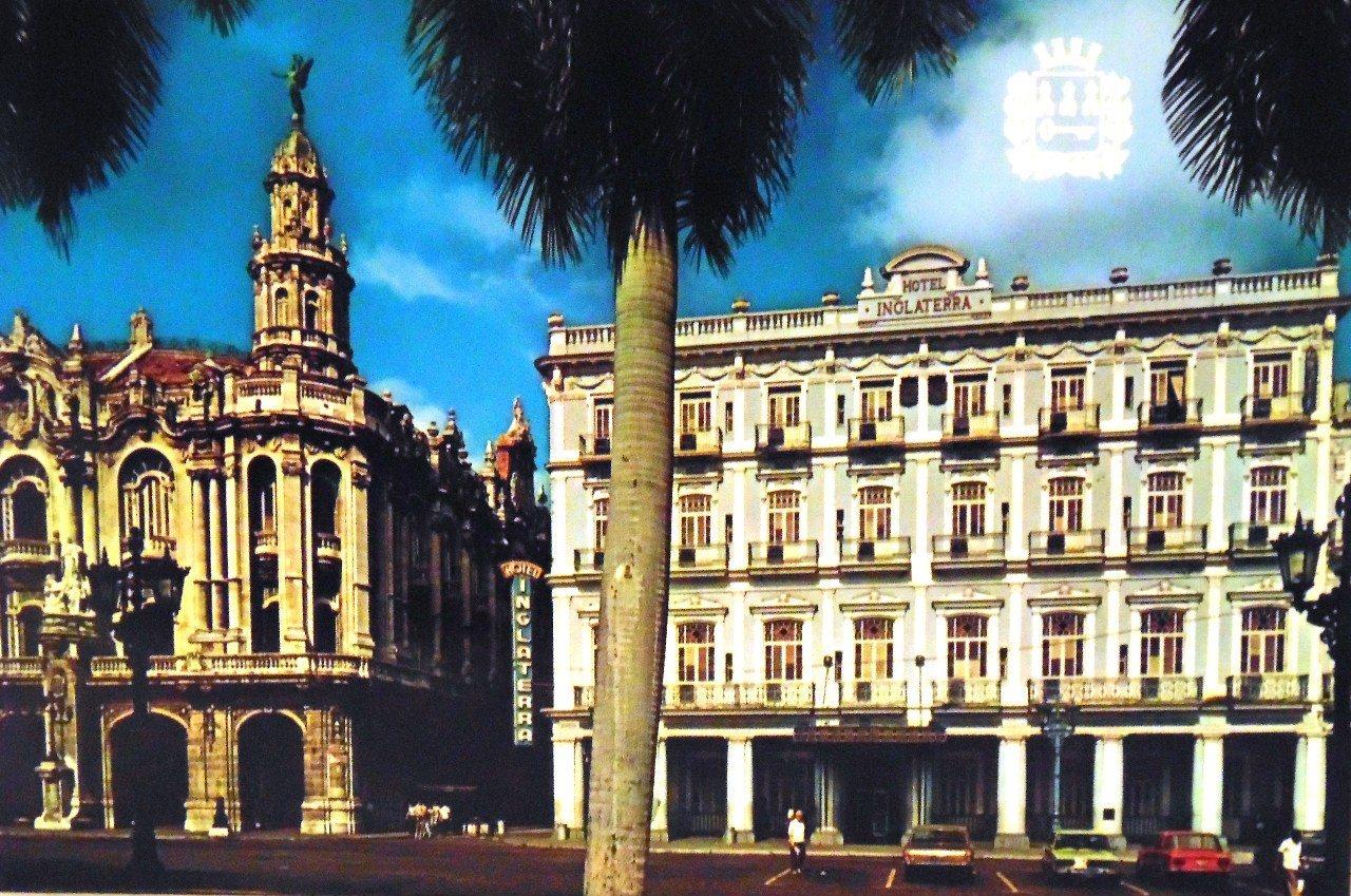 Гавана. Театр Гарсиа Лорка и отель «Инглатерра».