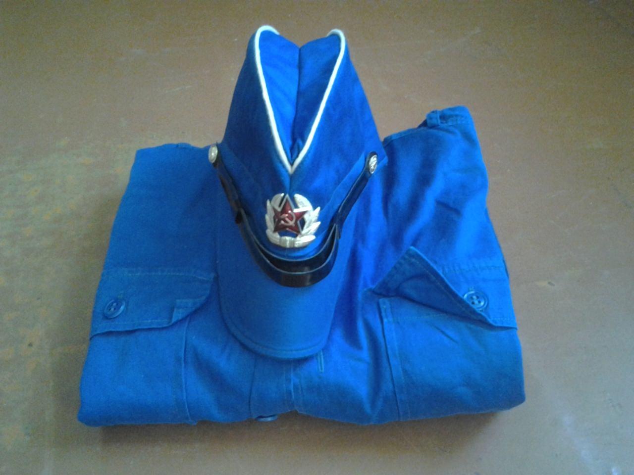 Тропическая морская форма: кубинская пилотка на куртке