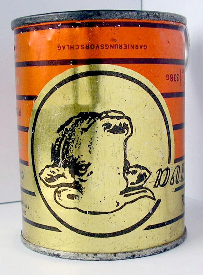 Кружка из из банки из-под советской тушенки. 4 ракурс.