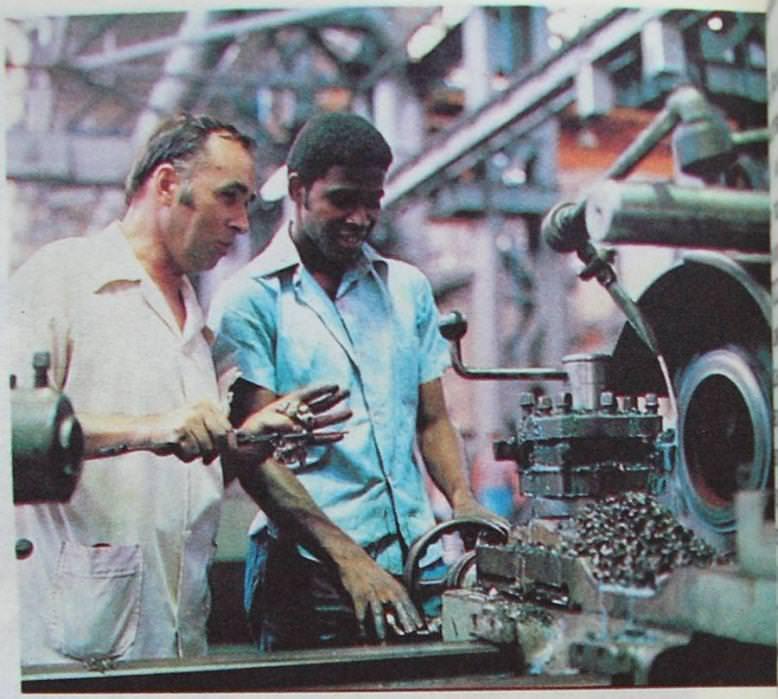 1990. На заводе в Ольгине. Советский специалист и кубинец.