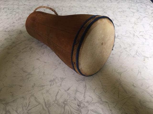 1965-1970. Барабан бата из дерева и воловьей кожи, фото 4