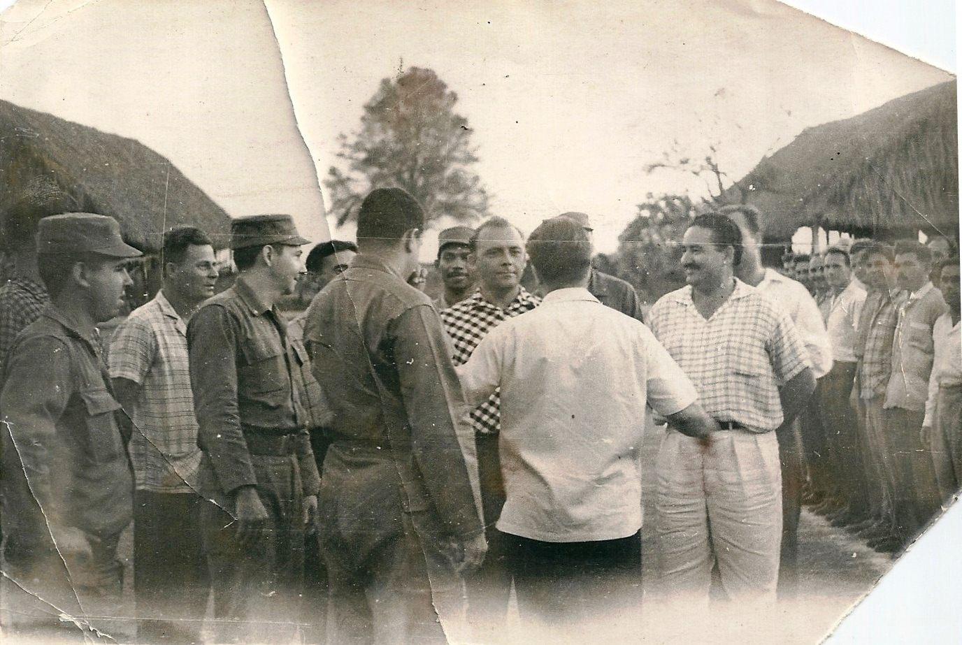 1963. Рауль Кастро и советские военачальники, фото 2