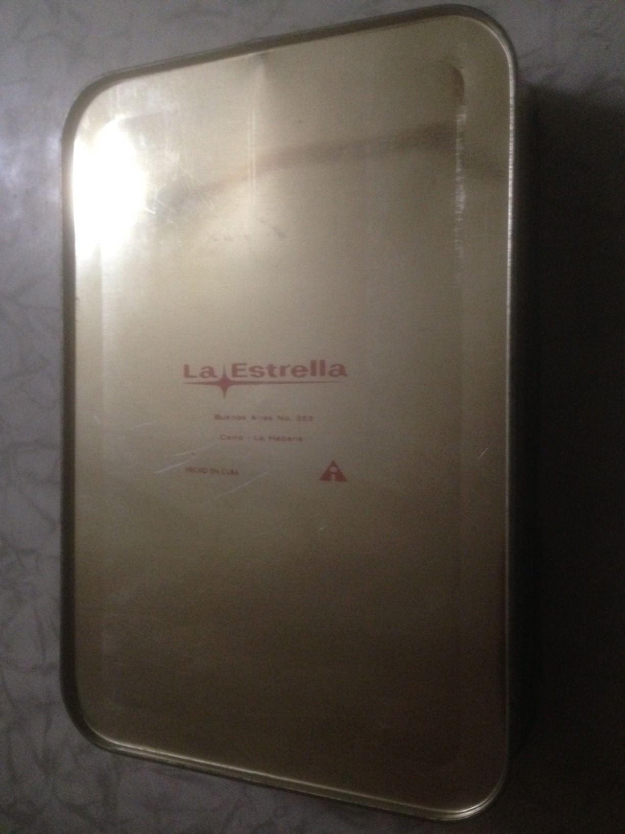 1965-1970. Коробка из-под печенья, низ