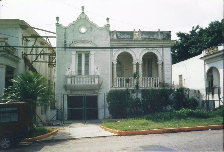 Это же здание в 2007 году