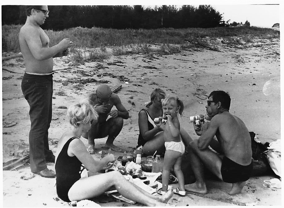 68. На пляже