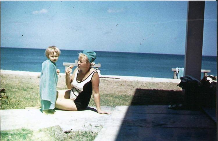 80. На пляже